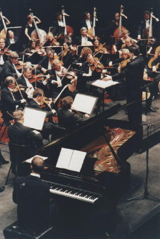 Pierre-André Valade conducts the West Australian Symphony Orchestra in the Turangalîla Symphony by Olivier Messiaen, Festival of Perth, Australia, 1996